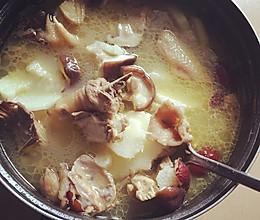 香菇山药鸡汤的做法