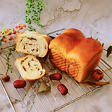 #换着花样吃早餐#红枣面包