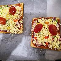 鲜虾培根吐司披萨的做法图解4