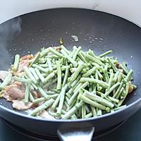 肉片炒豇豆的做法图解5