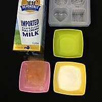 牛奶果冻的做法图解1