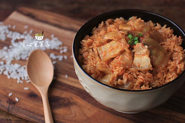 【辣白菜五花肉生炒油饭】——重口味菜饭合一的做法