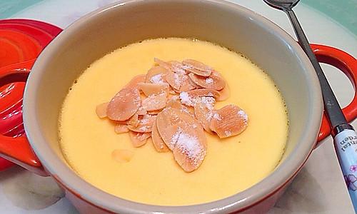 热杏仁鲜奶乐的做法