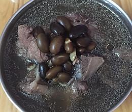 黑豆猪尾汤的做法