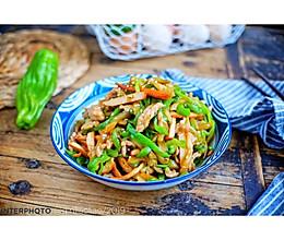 #美食新势力#榨菜青椒肉丝炒香干的做法