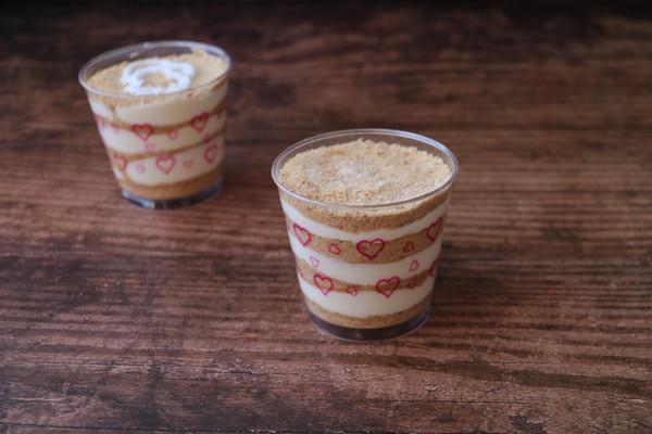 下午茶的甜蜜木糠杯的做法