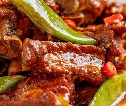 东北排骨炖豆角 | 酱浓味鲜的做法