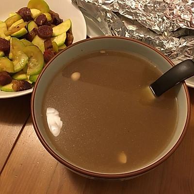 石黄皮龙利叶无花果栗子瘦肉汤(广东汤、感冒汤)