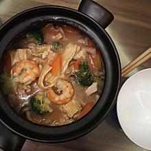 鲜虾腐竹煲