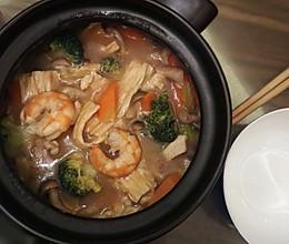鲜虾腐竹煲的做法