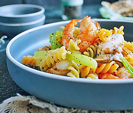 健康营养早餐*海鲜螺旋五彩意面*的做法