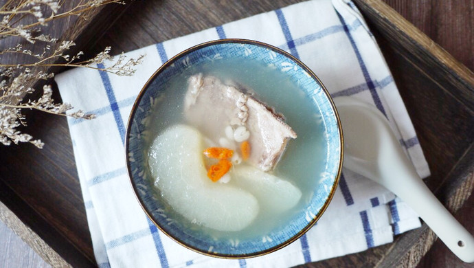#秋天怎么吃# 川贝雪梨猪骨汤