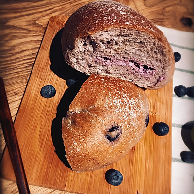 蓝莓乳酪软欧包