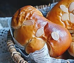 风靡了一个多世纪的复古日式奶油红豆面包的做法