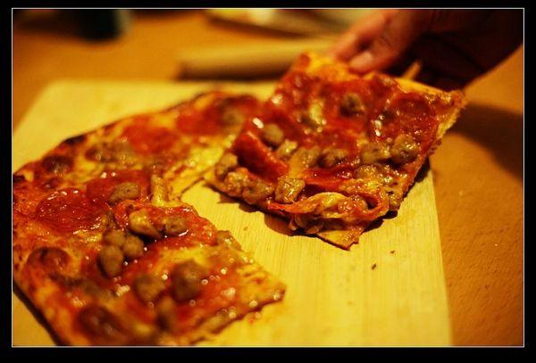 无肉不欢薄底披萨的做法