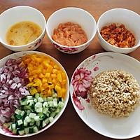 减肥餐--辣白菜时蔬糙米饭的做法图解1