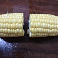 鲩鱼尾玉米淮山汤的做法图解3