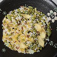 粥日食丨绿豆百合粥的做法图解2