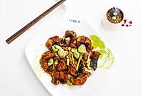 焦溜鱼段炒蚕豆配海米的做法