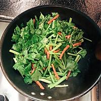 5分钟快手炒芹菜的做法图解3