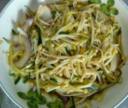 黄瓜洋葱拌金针菇的做法