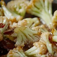 【干煸花菜】这样炒菜配米饭,干香入味一级鲜!的做法图解4
