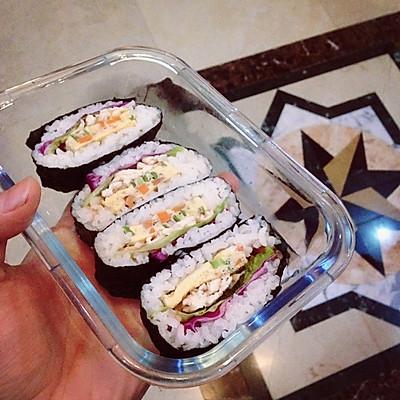 饭团寿司厚蛋烧鸡胸肉吧啦吧啦…