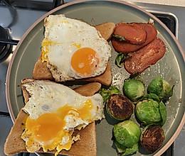 十分钟早餐:单面煎蛋和吐司的做法