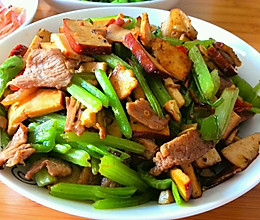 芹菜香干炒肉--湖南口味的做法