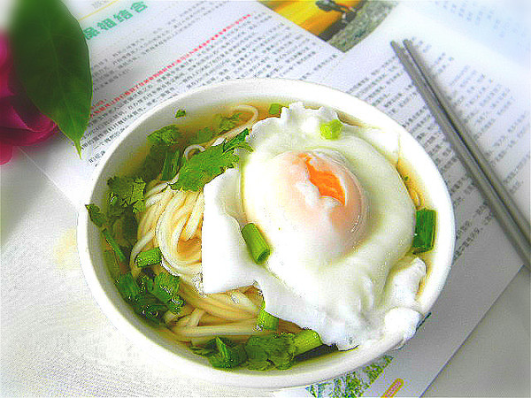 高汤鸡蛋面的做法