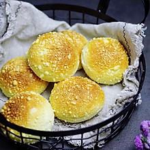 香酥牛奶面包