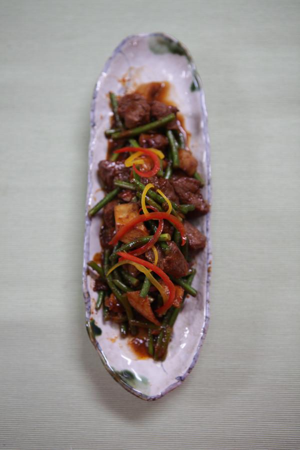 蒜香杏菇牛柳粒的做法