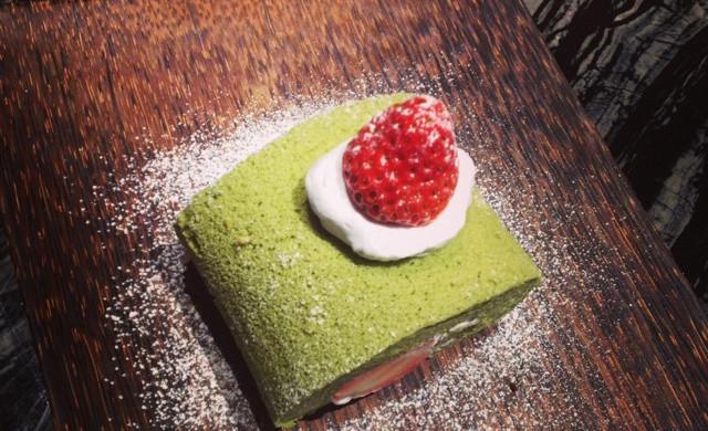 {日式甜点}低糖版抹茶草莓卷