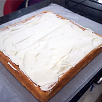 教你做不掉皮的蛋糕卷【改良小四卷】的做法图解9
