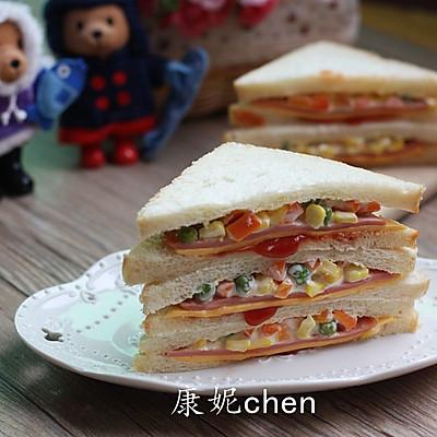 火腿杂蔬三文治
