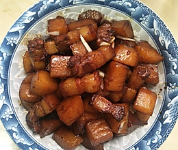 家常红烧肉焖土豆的做法