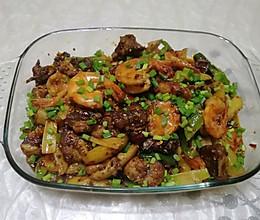 干锅排骨虾的做法
