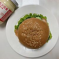 #321沙拉日#奥尔良鸡肉汉堡的做法图解7