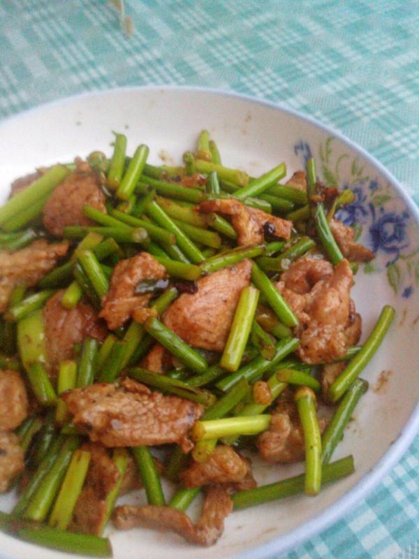 菁选酱油试用――蒜苔炒肉的做法