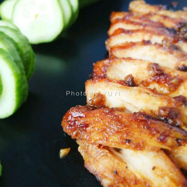香煎鸡胸肉(蜂蜜蒜香)