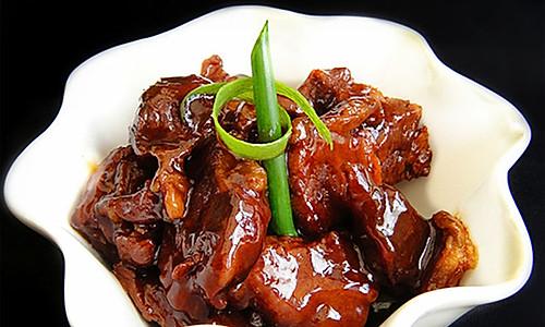 蚝油炖牛腩的做法