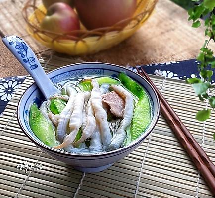 夏季解暑降温的清爽鲜美---丝瓜瘦肉沙虫汤的做法