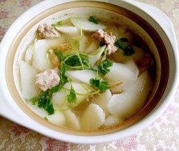 砂锅萝卜排骨汤的做法