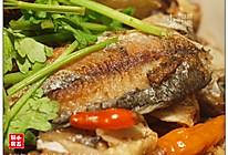 香酥鲫鱼:不到十块钱的平民美味  的做法