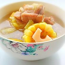 产妇进补汤品——莲藕玉米排骨汤