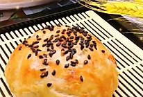 """#美食说出""""新年好""""#超简单的~手抓饼蛋黄酥的做法"""