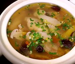 #中秋宴,名厨味#味道鲜美~~松茸煲鸡汤的做法