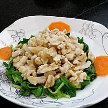 韭菜拌核桃仁
