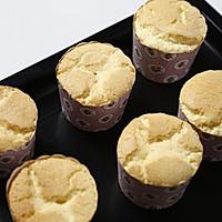 原味戚风纸杯蛋糕(烤箱做纸杯蛋糕)的做法图解15