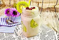 香蕉奇异果思慕雪#爱的暖胃季-美的智能破壁料理机#的做法